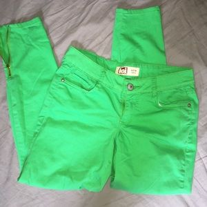 Green lei jeans